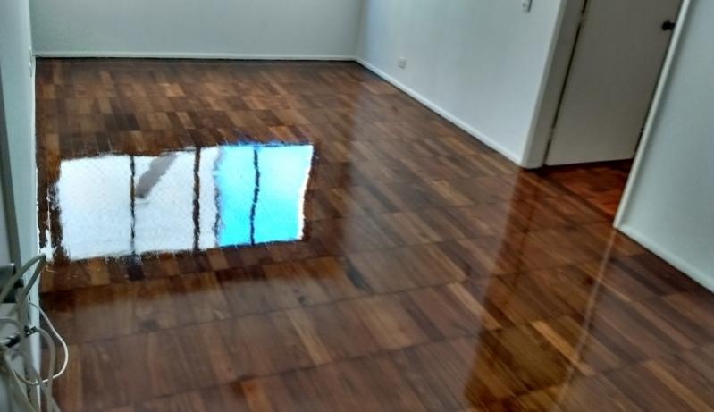 Instalações de Pisos de Madeira em Casa Miguel Mirizola - Instalação de Assoalho de Madeira