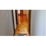 manutenção de piso madeira