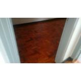 piso em taco de madeira