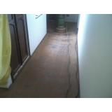 raspagem de piso de taco de madeira