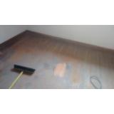 piso taco de madeira raspagem